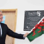 First Minister unveils plaque